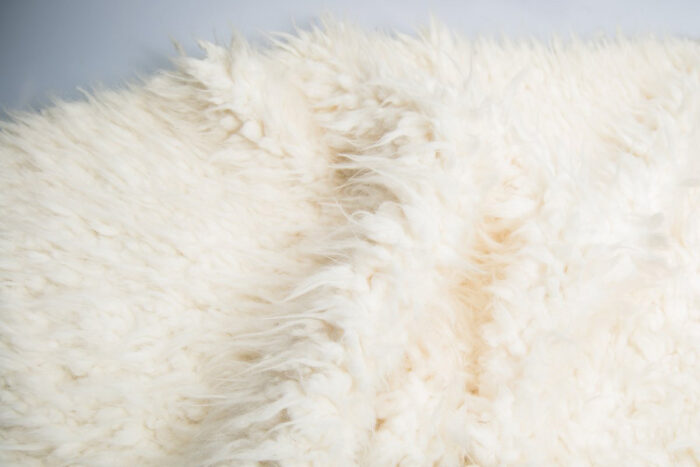 Faux fur by the metre Super soft cream/white Tibetan sheepskin faux fur by the metre – 2R242 Cream Ostrich