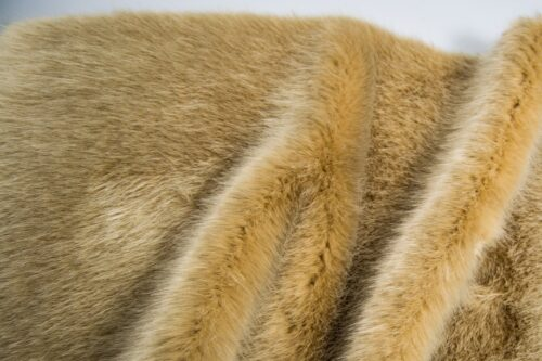 Faux fur by the metre Luxury faux mink fur fabric, super soft, beige – Saluki 3025 Beige
