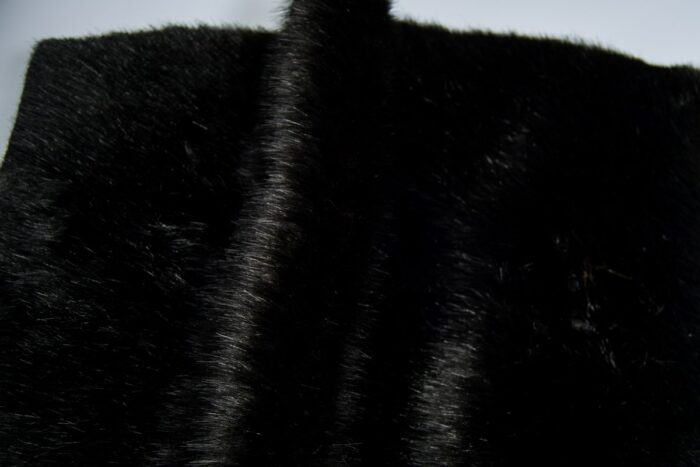 Faux fur by the metre Luxury faux mink fur fabric, super soft, black – Saluki 3025 Black