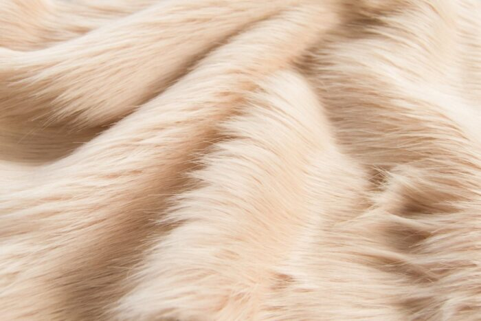 Faux fur by the metre Luxurious long haired pink/white fox imitation faux fur fabric by the meter – 7552 Pink/White