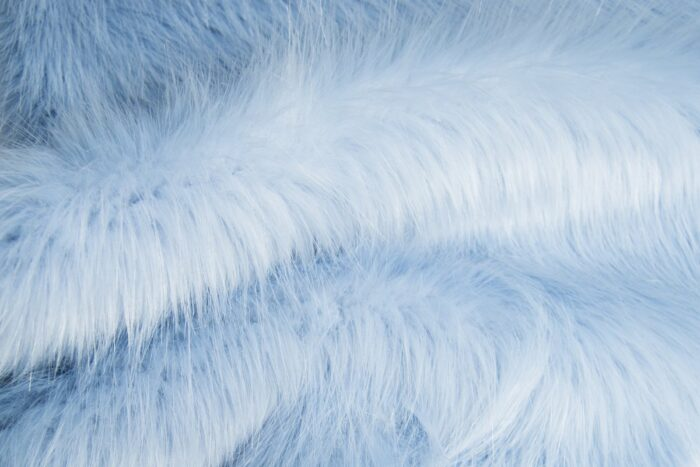 Faux fur by the metre Luxurious long haired soft blue fox imitation faux fur fabric by the meter – 7552 Powder Blue