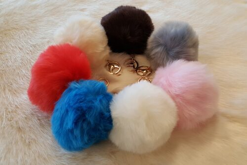 Ready made products Pompom key ring fake fur blue