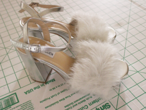 fake fur sandals finish