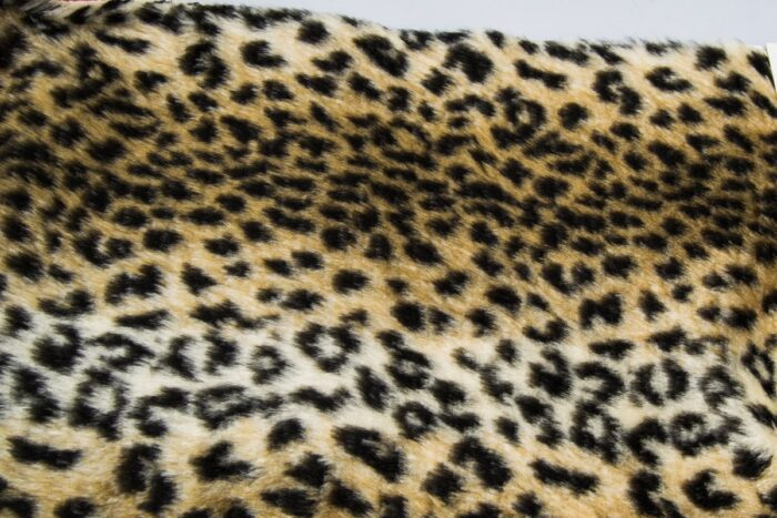 Faux fur by the metre Leopard faux fur fabric by the meter for disguise, costumes, cosplay – R2/60/3 FG 454/1 Baby leopard 126/1