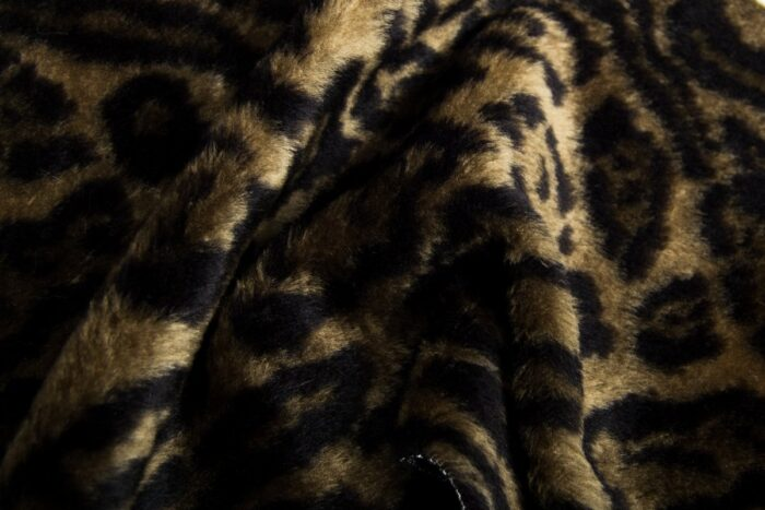Budget faux fur Jaguar faux fur fabric by the meter for disguise, costumes, cosplay – R2/60/3 FG 81/6