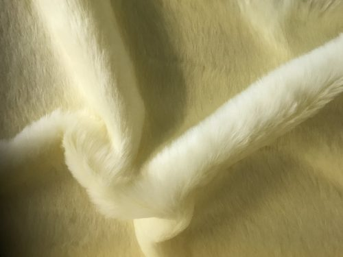 Budget faux fur Magnolia White Faux fur Fabric by the meter super value for money –  YF 286/1 Magnolia