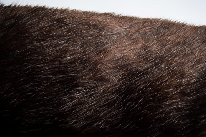 Faux fur by the metre Luxurious long haired brown fox imitation faux fur fabric by the meter – 7552 Brown Black
