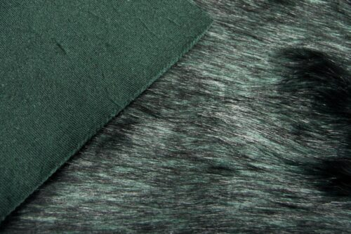 Faux fur by the metre Luxurious long haired dark green fox imitation faux fur fabric by the meter – 7552 Green Black