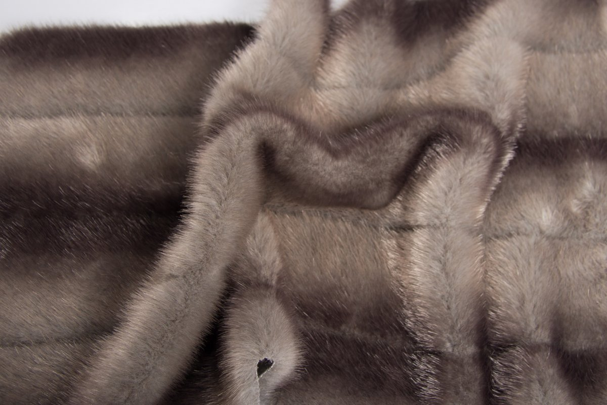 Super Luxury Faux Fur Fabric Material SUPER CHINCHILLA BROWN /& GOLD