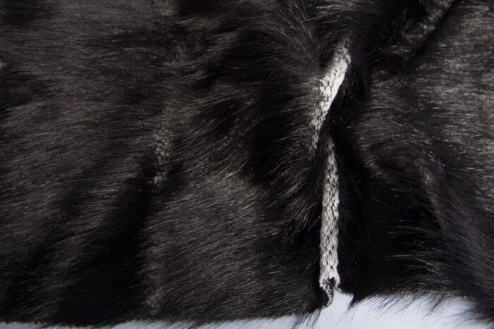 Faux fur by the metre Black faux fur fabric with long hairs, with vertical stripes – 7557 Black/White