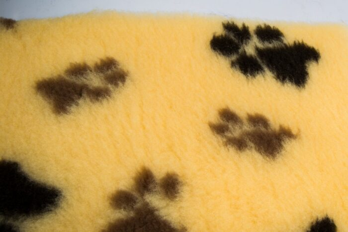 Faux fur by the metre Beige faux fur fabric by the metre for cats and dogs beddings – YF 317 850/76