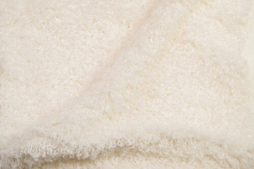 Faux fur by the metre Luxurious curly faux fur fabric per meter, cream, 100% recycled – 2R403 Cream